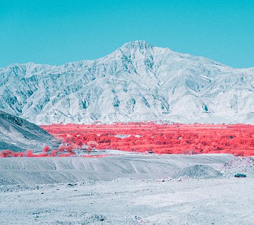 Paolo Pettigiani zachytil poušť v Peru pomocí infračerveného filtru