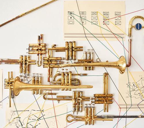 Steve Parker vytvořil interaktivní skulptury z hudebních nástrojů, aby přiblížil hudbu lidem