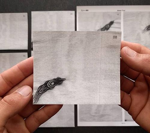 Umělec tvoří vrtačkou ovládané animace