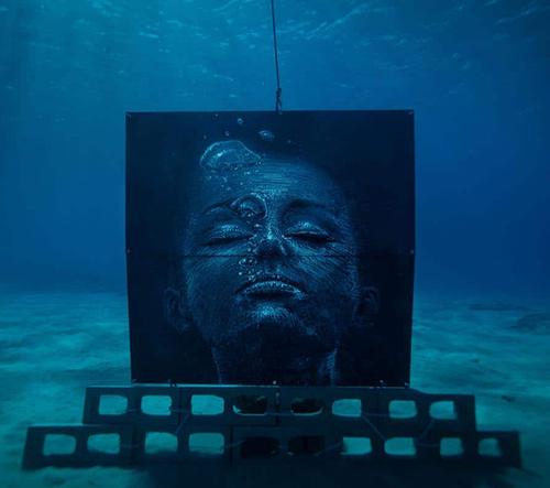 Sean Yoro Představil další ze svých dechberoucích muralů, tentokrát i pod vodou