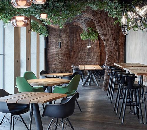 V bývalé olomoucké STK autodílně byla otevřena stylová steaková restaurace