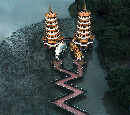 Ell Costi a její fotky z cest po Asii i dechberoucích chrámech