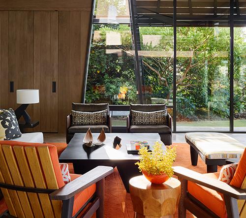 Walker Warner architects navrhlo na Havaji moderní plážový dům s tradičními detaily