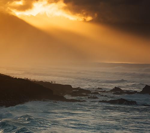 Marina Weishaupt nafotila snové foto zimního surfování na Havaji